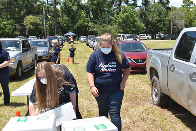 Volunteers in Adel, Georgia, worked with Convoy of Hope to distribute ready-to-eat goods and household supplies to members of their community still suffering from the economic effects of COVID-19.