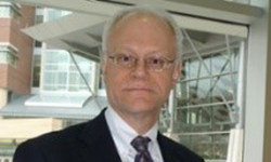 Steven Hinrichs, M.D. (PRNewsfoto/Royal Caribbean Group & Norwegi)