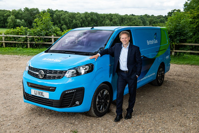 Transport Minister Grant Shapps alongside the new British Gas all-electric van. British Gas today announced it has ordered 1,000 new all-electric Vivaro-e vans from Vauxhall – the largest commercial BEV (battery electric vehicle) order in the UK to date. The BEVs will arrive over the next 12 months and be rolled out nationwide across the British Gas engineer workforce. (PRNewsfoto/British Gas)