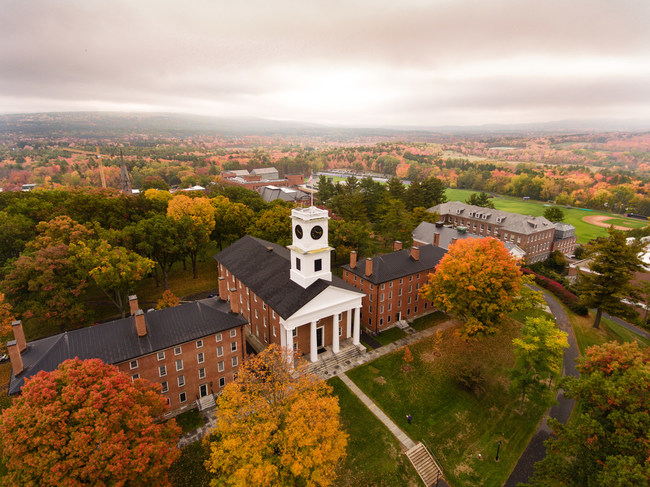 Amherst College (PRNewsfoto/2U, Inc.)