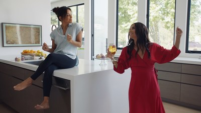 The music video set to a rendition of Lovin' Spoonful's song Daydream, reimagined by M. Ward, encourages people to slip into a daydreaming mindset from home this summer, starring everyday people along with Eva Longoria, Liev Scheiber & Blake Griffin.