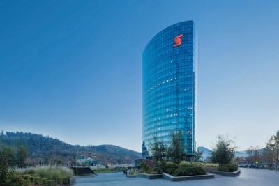 La Banque Scotia reçoit deux prix d'excellence d'Euromoney, confirmant son statut de chef de file du secteur bancaire dans les Amériques (Groupe CNW/Scotiabank)