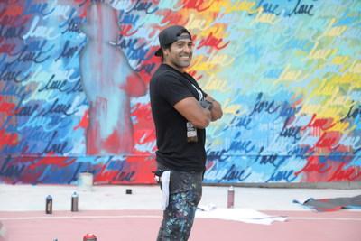 El artista y activista de Los Ángeles, Rubén Rojas, se une la programa de Artistas en Residencia, la iniciativa con el fin de llevar arte colorido a las comunidades de California, Arizona, Nuevo México y Texas. (PRNewsfoto/Estrella Jalisco)