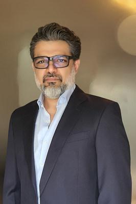 Vineet Dhawan, CEO of dcafé digital Inc