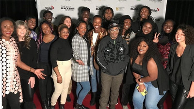 Fabienne Colas with Spike Lee and members of the 2019 cohort. (CNW Group/Netflix)