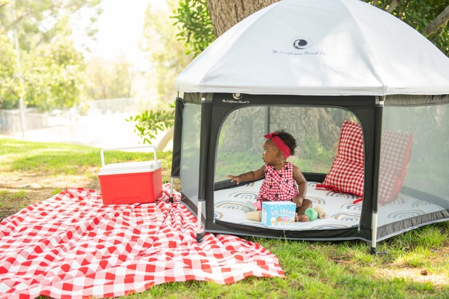 The Pop N' Go Playpen is made for parents on the go.