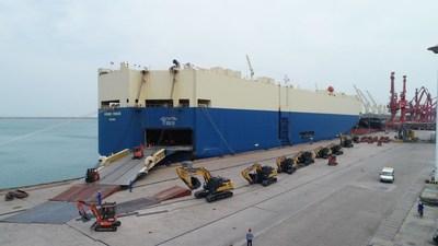 XCMG a livré plus d'une centaine d'unités d'équipement routier et d'excavation aux États-Unis (PRNewsfoto/XCMG)