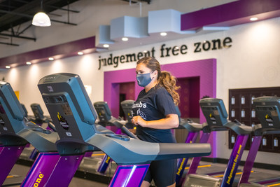 Planet Fitness members and guests will be required to wear a mask at all times while inside all open locations beginning August 1, 2020 (CNW Group/Planet Fitness)