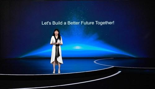 Catherine Chen pronuncia un discurso de apertura (PRNewsfoto/Huawei)