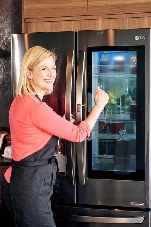 Anna Olson with LG InstaView Door-in-Door® Refrigerator (CNW Group/LG Electronics, Inc.)