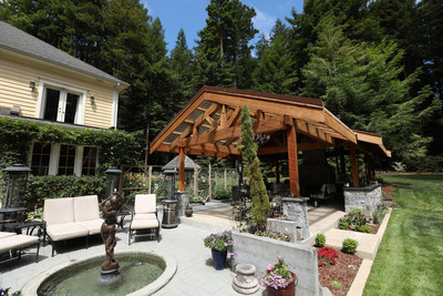 Eureka, California homeowners desired year-round space for entertaining and relaxing at home. A custom redwood timber pergola helped them achieve their wishes.