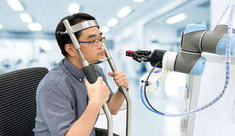 The Brain Navi Nasal Swab Robot helps to reduce staff-patient contact with highly infectious diseases at the point of testing by autonomously navigating and collecting patient's samples. The robot automatically recognizes the patient's facial structure and the precise nostrils location to autonomously take the samples without the need of medical staff.