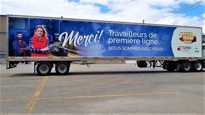 Turbo Images, un spécialiste en lettrage de flotte de véhicules, a complété 15 lettrages de véhicules pour remercier les camionneurs et autres travailleurs essentiels pendant la pandémie du COVID-19. (Groupe CNW/Turbo Images)