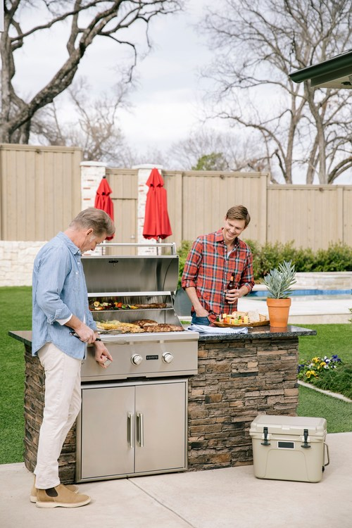 Coyote Outdoor Living is an innovative company that specializes in the design, development, and production of high quality, all-stainless-steelgrills, and accessories.