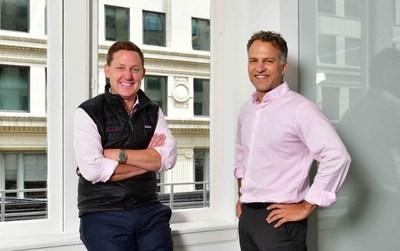 Wendell Jisa, director general de Reveal (izquierda) y Jay Leib, cofundador y director general de NexLP (derecha) (PRNewsfoto/Reveal)