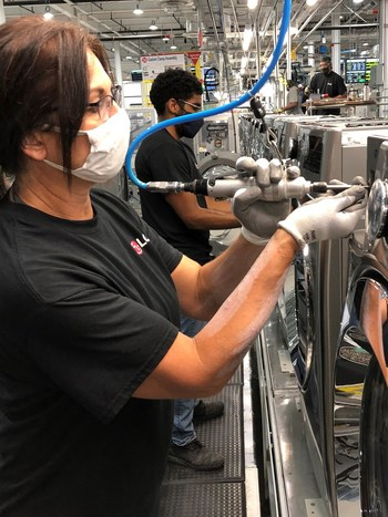 The LG Electronics home appliance manufacturing plant in Clarksville, Tenn., has produced its 1 millionth washing machine.