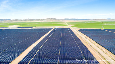 D.E. Shaw Renewable Investments Cove Mt. 2 in Utah. Featured technology: NX Horizon smart solar tracker and First Solar Series 6 modules. Photo: Swinerton Renewable Energy