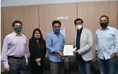 Optum contribution of ₹2,30,00,000 to the Chief Minister Relief Fund - Government of Telangana: Photo shows (from left to right) Mr. Jayesh Ranjan Principle Secretary IT, Government of Telangana, Ms. Neha Singh Project Manager Optum Global Solutions, Mr. K.T. Rama Rao, Hon. Minister for IT Government of Telangana, Mr. Nishid Sachdeva Vice President Operations and Country Lead – Optum Global Solutions and Mr. Sai Kumar Chintareddy, Senior Director and Head - Data Solutions, Optum Global Solutions