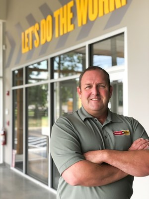 Chet Kelley, Manager, Thompson Machinery