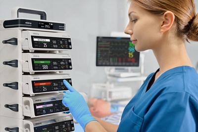 A Mindray, proeminente provedora de soluções e dispositivos médicos, lançou sua nova geração de sistema de infusão, o BeneFusion n Series. Por remodelar a segurança, a simplicidade, a interoperabilidade e a sinergia de dados, o BeneFusion n Series estabelece um novo padrão na realização de infusões.