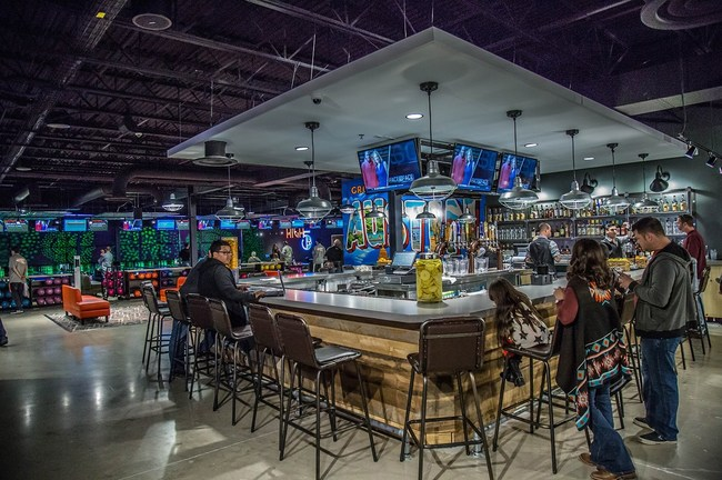 High 5 combines attentive guest service, a scratch kitchen menu, and signature craft cocktails with cutting-edge attractions, including Bowling, Axe Throwing, Topgolf® Swing Suites, Multi-Player Virtual Reality, Laser Tag, and Arcade.
