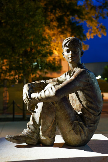 One of the most influential leaders of the 20th century, Dwight D. Eisenhower came from humble beginnings in Abilene, Kansas. At the new Eisenhower Memorial ,the future Supreme Commander of the Allied Expeditionary Force in WWII and 34th U.S. President is also depicted as a young boy.