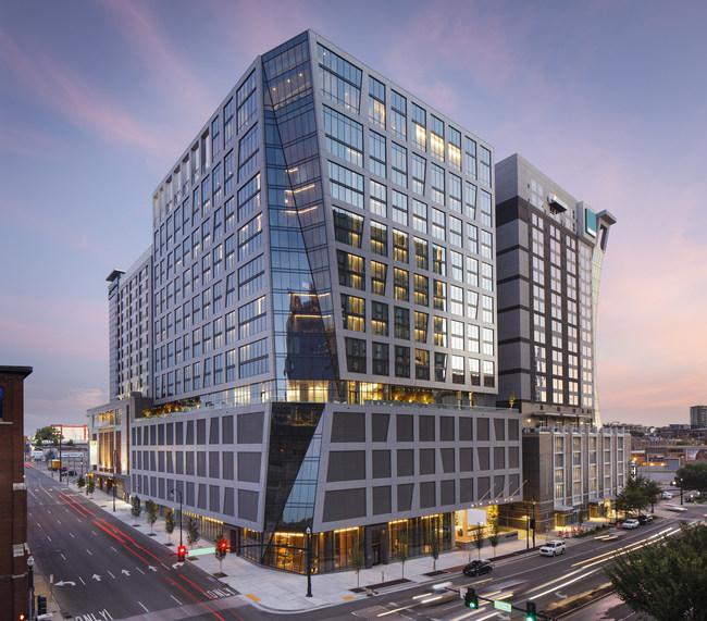 Designed by Arquitectonica, The Joseph, a Luxury Collection Hotel, Nashville, is located in the vibrant SoBro district and features 21 floors and 297 guest rooms and suites.