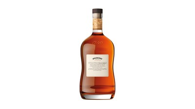 Le nouveau rhum 8 Year Old Reserve et le nouvel emballage qui célèbre fièrement son héritage jamaïquain. (Groupe CNW/Appleton Estate Jamaica Rum)