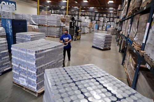 Goya Foods, la empresa de alimentos de propiedad hispana más grande de los Estados Unidos, responde a las urgentes llamadas de ayuda de organizaciones y bancos de alimentos y se prepara para distribuir alimentos a las víctimas que se encuentran en la trayectoria del huracán Laura. (PRNewsfoto/Goya Foods)