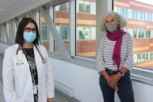 (Left to right) Dr. Alexandra de Pokomandy, Dr. Cécile Rousseau and Dr. Sarah Gallagher (not pictured) are leading CoVivre, a program to level the playing field for Montreal residents disproportionately affected by COVID-19. (CNW Group/McGill University Health Centre Foundation)