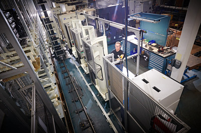 "Midwest Precision's two new Makino A51NX Horizontal Mills have been automated with the Makino Model MMC pallet changer to increase efficiency, as well as overall capacity and ""lights-out"" performance."