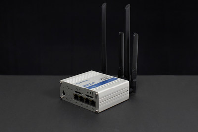 4G LTE CAT 6 Cellular Router – RUTX11time