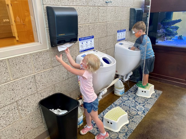 Meritech partnered with Dancing Moose Montessori School to implement CleanTech® Automated Handwashing Stations complete with safe social distancing shields in an effort to reopen safely during the COVID-19 pandemic.