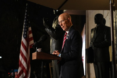 "U.S. Senator Pat Roberts of Kansas, chairman of the Eisenhower Memorial Commission, speaks of President Dwight D. Eisenhower as ""Kansas' favorite son"" at the dedication of the memorial honoring Ike as President and Supreme Commander of the Allied Expeditionary Force in WWII."