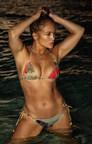 Jennifer Lopez AFièreallure en Bikini et树树植物ses pendentifspersonnalisésde style plaque d'ententitébabriquéspar mini mini珠宝,Une publication qui lui a Value Quatre Milions De提及«J'aime»
