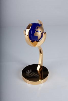 Global Forex Awards 2020 - Retail Winners Trophy (PRNewsfoto/Holiston Media)