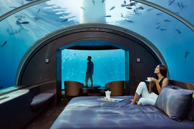 La MURAKA -- Una residencia pionera de dos niveles con una habitación principal sumergida a más de 5 metros bajo el nivel del mar. (PRNewsfoto/Hilton)