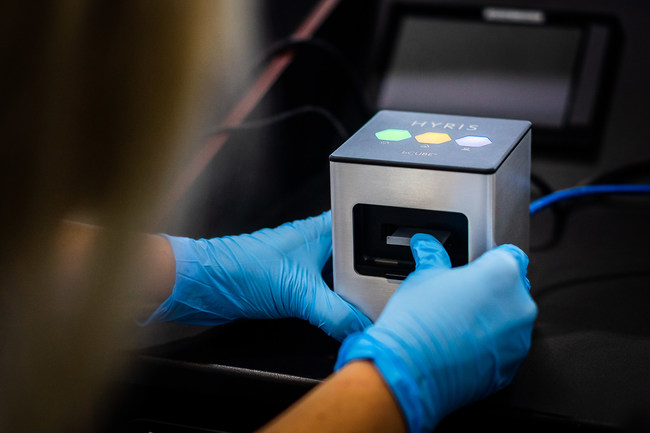 Songbird Life Science utilizes the Hyris bCUBE for onsite human and surface testing to protect people and buildings from COVID-19. (CNW Group/Songbird Life Science)
