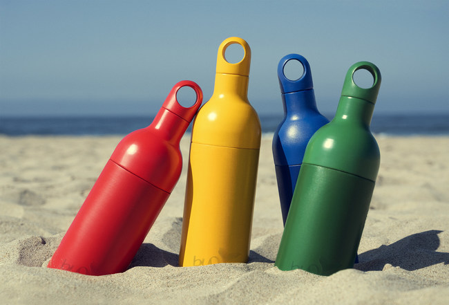 Buoy Bottle comes in four bright colors that can be mixed and matched to create a fully unique bottle.