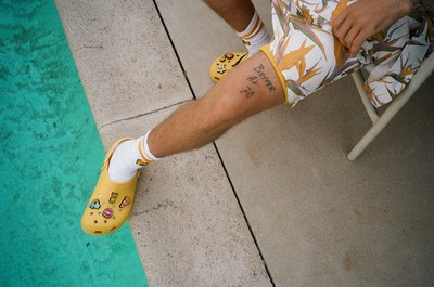 The Crocs X Justin Bieber with drew Classic Clog pulls inspiration from the signature yellow of Bieber's personal clothing brand, drew house, and includes eight custom Jibbitz™ charms designed to match his good vibes and laid-back style.