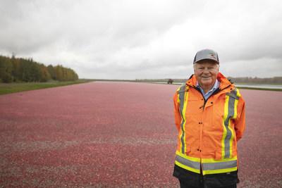 Marc Bieler at his cranberry farm in Saint-Louis-de-Blandford, Quebec. (CNW Group/McGill University)