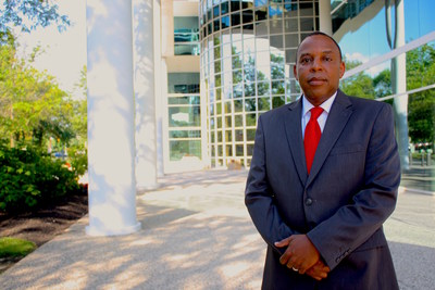 """Brian """"Woody"""" White fue nombrado director de diversidad e inclusión de Homebridge, a cargo de la supervisión de la nueva Oficina de diversidad e inclusión de la empresa."""