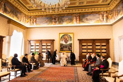 أعضاء لجنة تحكيم جائزة زايد للإخوة الإنسانية يلتقون البابا فرنسيس