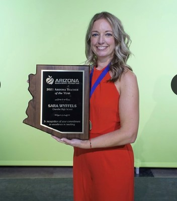 Desert Financial Credit Union and Arizona Educational Foundation Name 2021 Arizona Teacher of the Year