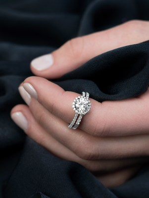 Say 'I Love You Forever' with a Platinum Engagement Ring this Holiday Season @Platinum_Jewelry