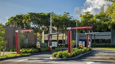 Digital Drive-Thru Menu Boards at Double Drive-Thru Location at Burger King (CNW Group/Restaurant Brands International Inc.)