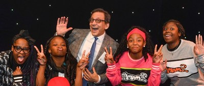 Hilco Global Executive Vice President and Chief Marketing Officer Gary Epstein with All Stars Project Performers