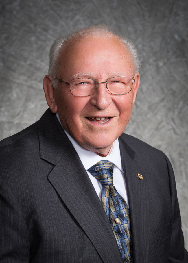 Wesley Hall, long-time Valley First Credit Union board member, received the 2020 J Alvin George Outstanding Volunteer Award from the California and Nevada Credit Union League
