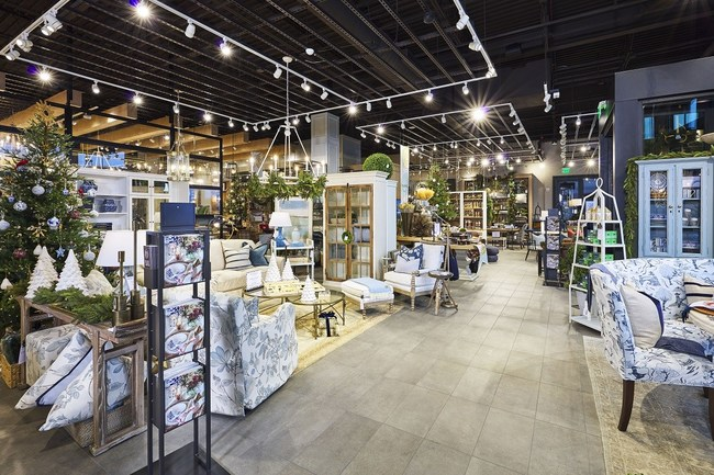 Ballard Designs Interior Design, Furniture & Home Decor now in Nashville at their newest retail location. Shop now open in Green Hills with gorgeous home decorating tips and ideas and the best styles to live in.