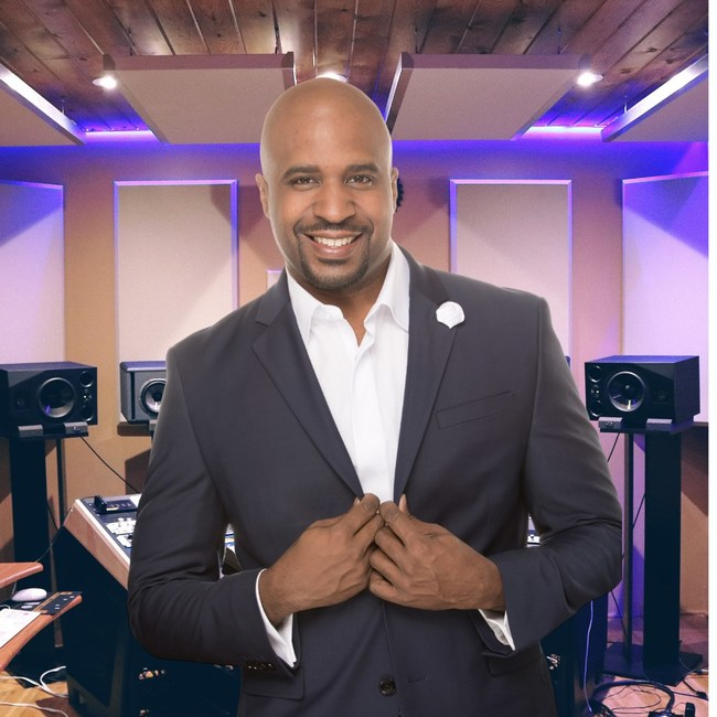 Cayman Kelly is a best-selling author and entertainment voice-over artist veteran of 20 years.